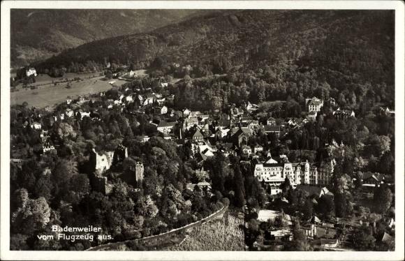 Ak Badenweiler Markgräflerland, Fliegeraufnahme von Ort und Umgebung