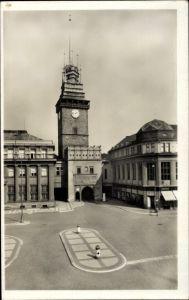 Ak Pardubice Pardubitz Stadt, Zelená brána, Straßenpartie, Torturm
