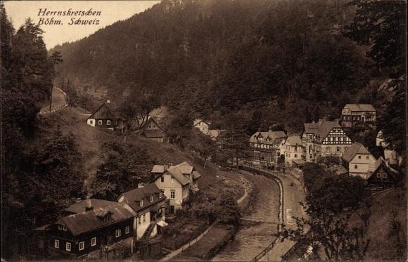 Ak Hřensko Herrnskretschen Elbe Reg. Aussig, Flusspartie mit Blick auf den Ort