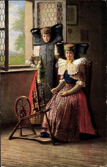 Ak Trachtenkarten Serie 1, Frauen in Tracht, Schaumburg Lippe, Spinnrad