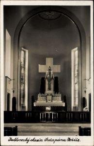 Ak Jablonec nad Nisou Gablonz an der Neiße, Innenansicht der Kirche, Altar