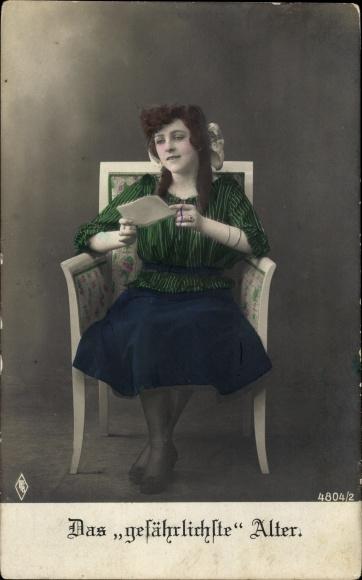 Ak Das gefährlichste Alter, Junges Mädchen, Sitzportrait, PFB 4804 2