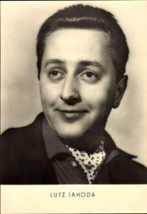 Ak Schauspieler Lutz Jahoda, Portrait, Hemdkragen