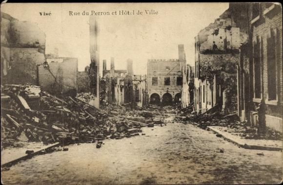 Ak Liège Lüttich Wallonien, Rue du Perron et Hôtel de Ville, zerstört