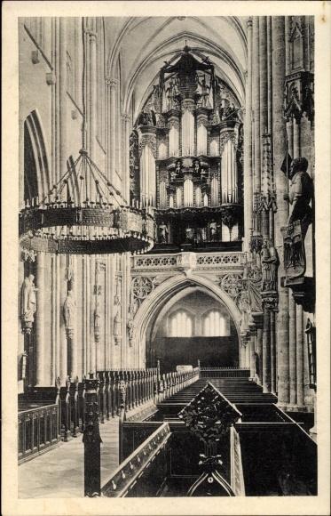 Ak Halberstadt in Sachsen Anhalt, Hauptschiff im Dom mit Blick auf die Orgel