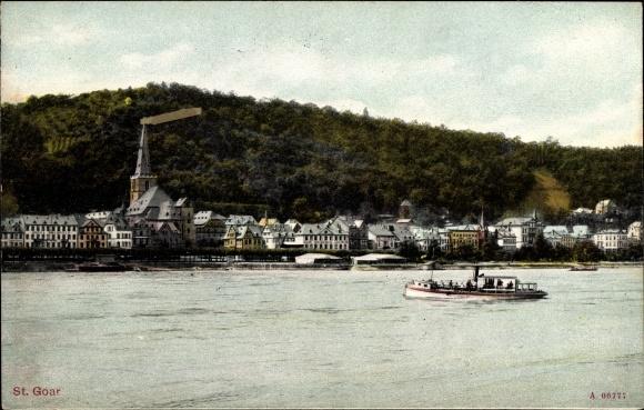 Ak St. Goar im Rhein Hunsrück Kreis, Blick auf die Stadt, Dampferpartie, Berg