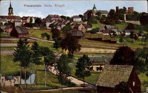 Ak Frauenstein im Erzgebirge, Panorama der Ortschaft, Kirche