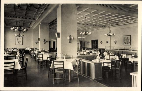 Ak Leuna an der Saale, Leuna Werke, Walter Ulbricht, Feierabendhaus, Restaurationssaal