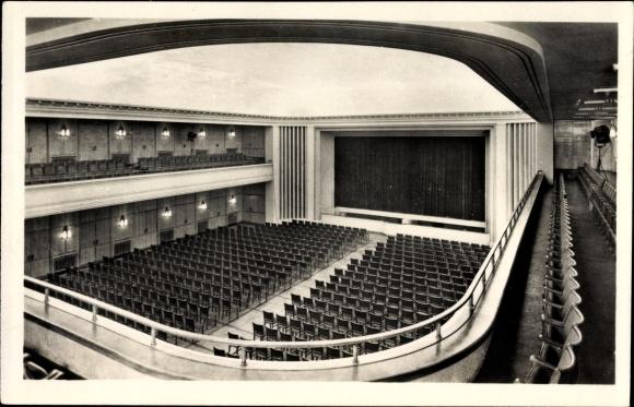 Ak Leuna an der Saale, Großer Theatersaal im Feierabendhaus der Leuna Werke Walter Ulbricht