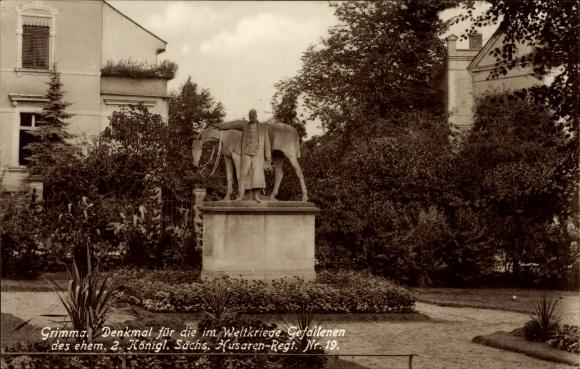 Ak Grimma in Sachsen, Denkmal für die im Weltkrieg Gefallenen des ehem. 2. Sächs. Husaren Regt. 19