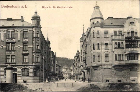 Ak Děčín Tetschen Bodenbach Elbe Reg. Aussig, Blick in die Goethestraße, Wohngebäude