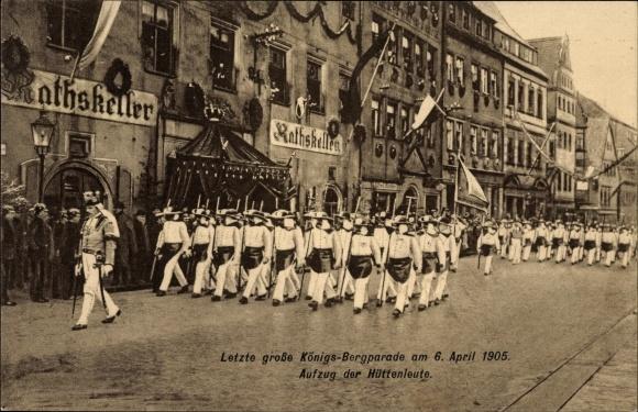 Ak Freiberg im Kreis Mittelsachsen, Königs Bergparade 1905, Aufzug der Hüttenleute am Ratskeller