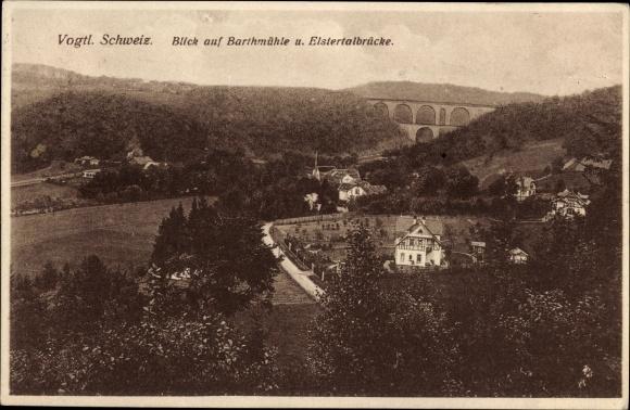 Ak Barthmühle Pöhl Vogtland, Blick auf den Ort und die Elstertalbrücke