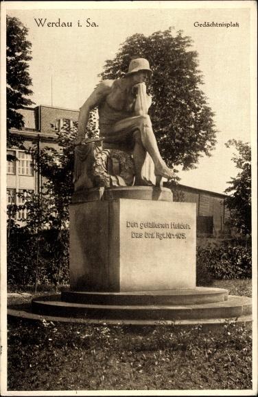 Ak Werdau an der Pleiße in Sachsen, Gefallenendenkmal am Gedächtnisplatz, Soldat