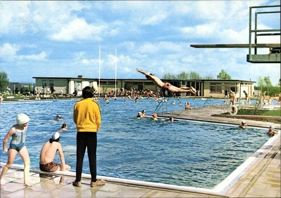 ak gr nstadt blick ins schwimmbad nr 7130948 oldthing ansichtskarten deutschland plz 60. Black Bedroom Furniture Sets. Home Design Ideas