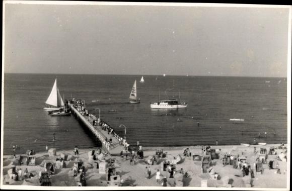 Foto Ak Timmendorfer Strand in Ostholstein, Partie am Strand, Meer, Segelboote