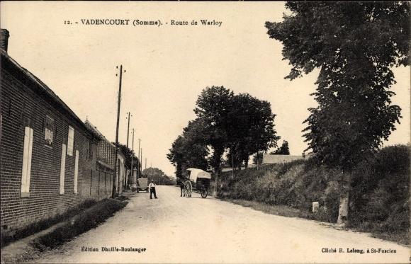 Ak Vadencourt Somme, Route de Warloy, Planwagen