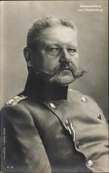 Ak Generalfeldmarschall Paul von Hindenburg, Portrait in Uniform