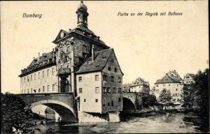 Ak Bamberg an der Regnitz Oberfranken, Partie an der Regnitz, Rathaus