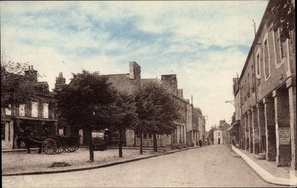 Ak St. Georges de Reintembault Ille et Vilaine, Place de la Mairie, Rue de Fougères