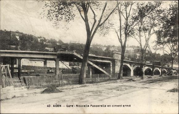 Ak Agen Lot et Garonne, Gare, Nouvelle Passerelle en ciment armé, Gleisübergang aus Stahlbeton