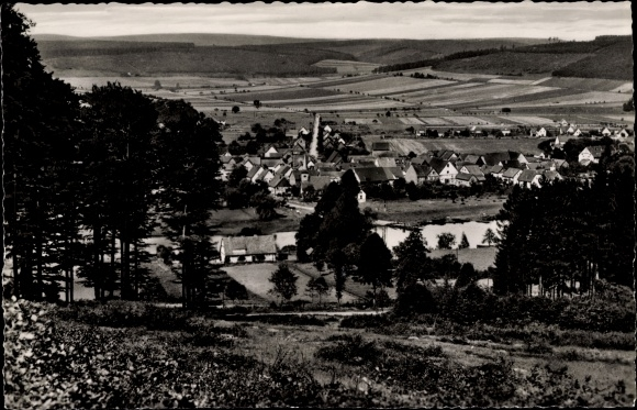 Ak Wahmbeck Bodenfelde in Niedersachsen, Sommerfrische, Blick auf den Ort mit Umgebung