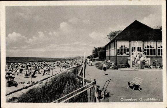Ak Graal Müritz im Kreis Rostock, Strandpartie, Strandkaffee an der Promenade