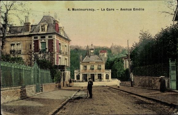 Ak Montmorency Val d'Oise, La Gare, Avenue Emelie, Straßenpartie am Bahnhof