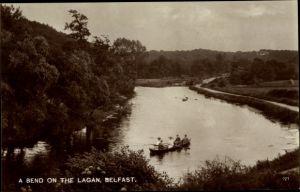 Ak Belfast Nordirland, A Bend on the Lagan, Ruderboot, Flusspartie
