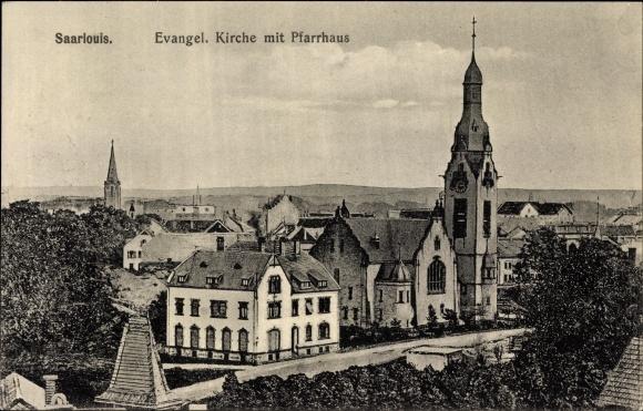 Ak Saarlouis im Saarland, Evang. Kirche, Pfarrhaus