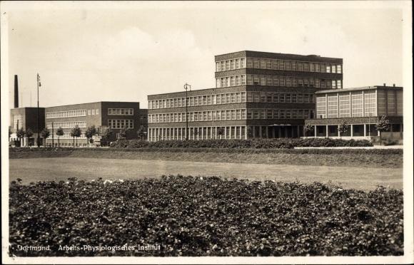 Ak Dortmund im Ruhrgebiet, Gesamtansicht vom Arbeits und Physiologischen Institut