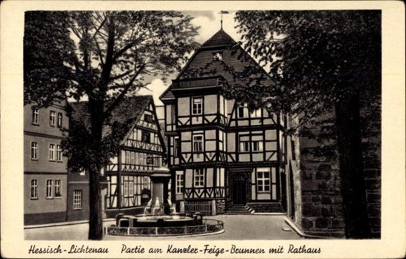 Ak Hessisch Lichtenau im Werra Meißner Kreis, Partie am Kanzler Feige Brunnen mit Rathaus