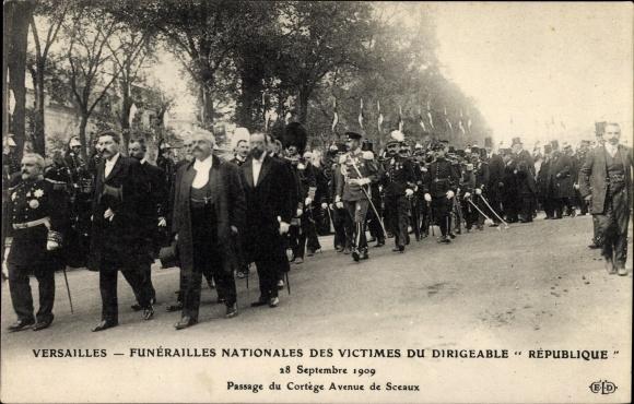 Ak Versailles Yvelines, Funérailles Nationales des Victimes du Dirigéable République, 28 Sept 1909