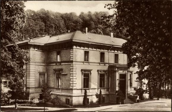 Ak Bad Freienwalde an der Oder, Außenansicht des Brunnenhotels