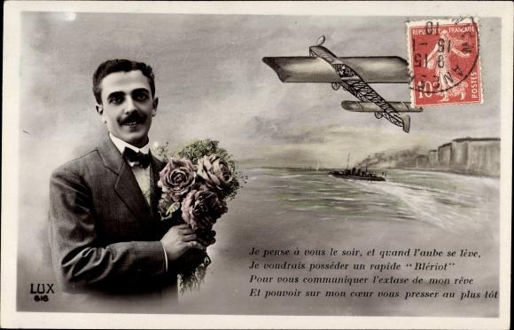 Ak Monoplan Blériot, Flugzeug, Ärmelkanalüberquerung, Mann mit Rosenstrauß