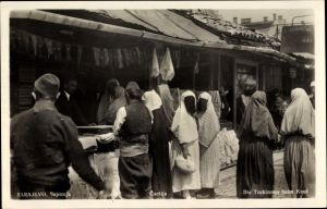 Ak Sarajevo Bosnien Herzegowina, Carsija, Die Türkinnen beim Kauf, Vermummte Frauen, Muslime