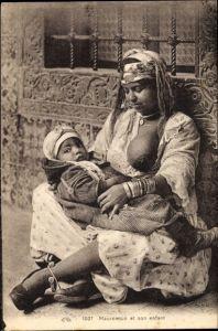 Ak Maghreb, Mauresque et son enfant, Mutter mit Säugling