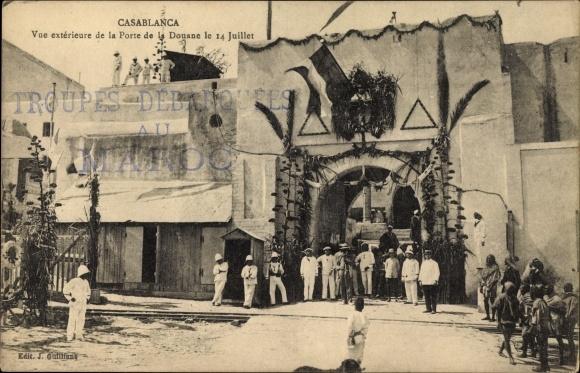 Ak Casablanca Marokko, Vue exterieure de la Porte de la Douane le 14 Juillet