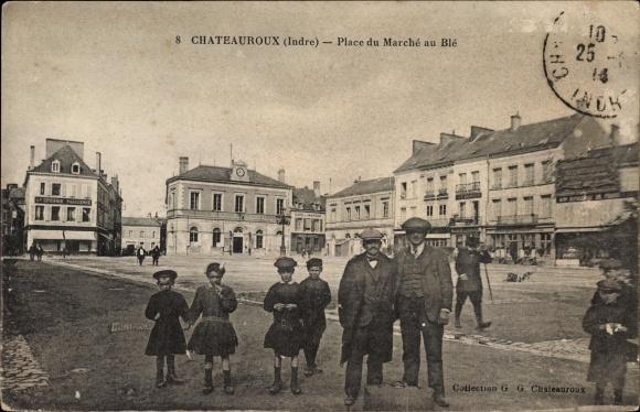 Ak Chateauroux Indre, vue générale de la Place du Marché au Blé