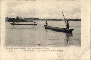 Ak Madagaskar, Pirogues sur la Mahajamba, Boote auf dem Fluss