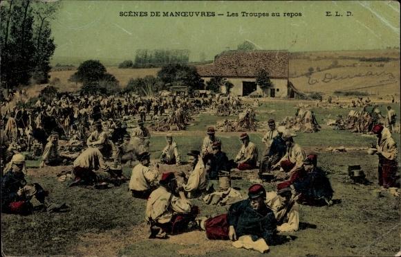 Ak Scenes de Manoeuvres, Les Troupes au repos, französische Soldaten bei der Rast