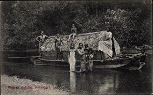 Ak Sri Lanka Ceylon, Ratnapura Lake, Woman Bathing, Hausboot auf dem See, Frauen im Wasser