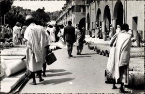 Ak Tananarive Madagaskar, Le marché aux nattes, Marktpartie mit geflochtenen Matten