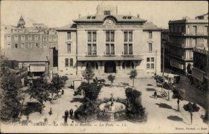 Ak Oran Algerien, La Place de la Bastille, La Poste, Zierbrunnen, Postgebäude