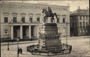 Ak Berlin Mitte, Denkmal Friedrich des Großen und Palais Kaiser Wilhelm I. Unter den Linden Nummer 1