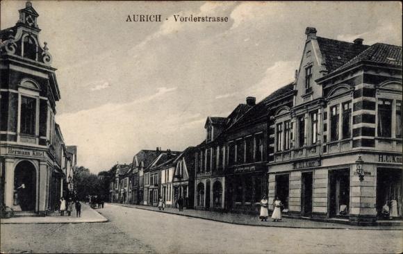 Ak Aurich in Ostfriesland, Partie an der Vorder Straße, Geschäft H.C. Knurr, Geschäft Hermann Kittel