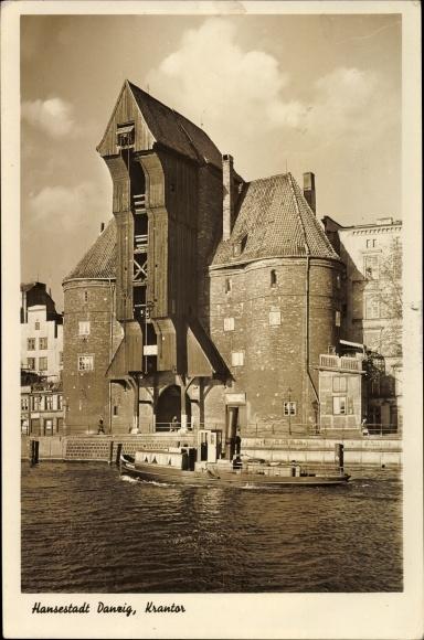 Ak Gdańsk Danzig, Blick auf das Krantor, Dampfer auf dem Wasser