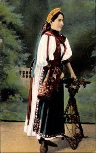 Ak Ungarisches Mädchen mit Kopfputz aus Banffyhunyad, Siebenbürgen