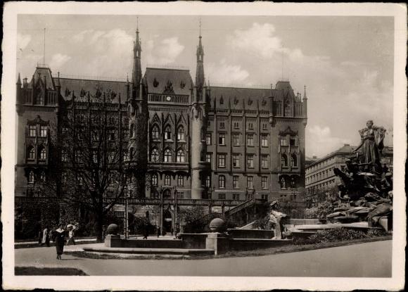 Ak Szczecin Stettin Pommern, Blick auf das Rathaus und den Manzelbrunnen