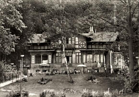 Ak Bad Stuer in Mecklenburg Vorpommern, Schulungs und Ferienheim der Staatsbank der DDR, Garten